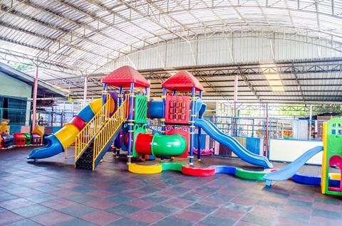 สนามเด็กเล่น (3)