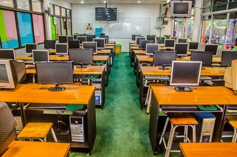 ห้องปฏิบัติการคอมพิวเตอร์ ระดับประถม (4)