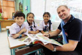 📢 OPEN NOW!! English Fluency Classroom (EFC) 🇬🇧 Primary 1- 6   Come one, come all!! Visit PTT School. 😁😚 #EFC #PTTschool